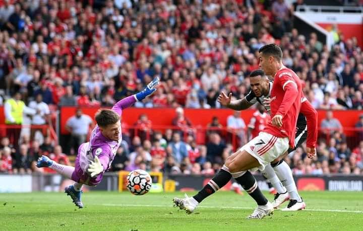 Ronaldo scoring past Newcastle goalkeeper on his debut